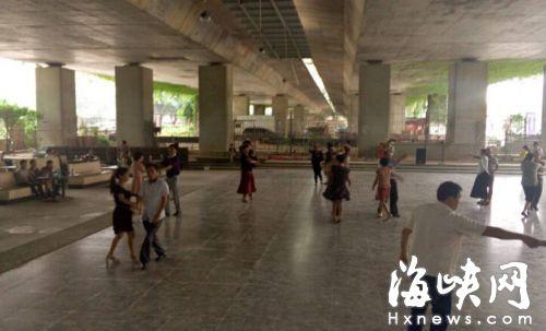 福州尤溪洲大桥下 健身舞场噪音扰民