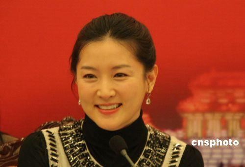 李英爱捐款220万人民币 为韩军官兵办音乐会