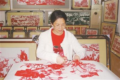 纸上剪出新乾坤——记漳浦民间剪纸艺术家高少苹(图)