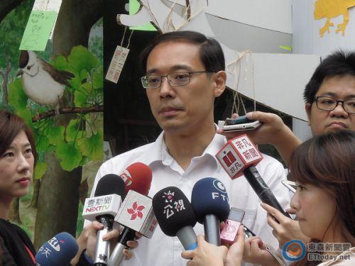 国民党发言人杨伟中请辞