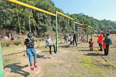 三元格氏栲森林公园吸引众多游客(图)