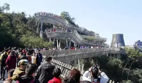 今年春节,福州金牛山福道人山人海