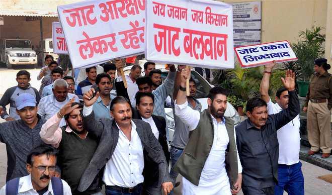 要求获得低种姓福利 印度高种姓暴力骚乱致10死百余伤