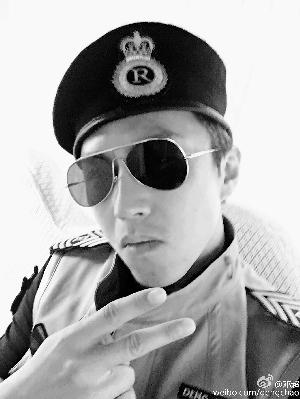 邓超玩cosplay 领衔跑男上演《太阳的后续》