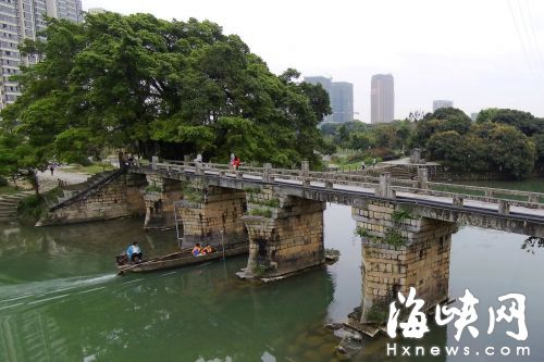 延寿桥桥墩成船形,可以减少水流对桥墩的冲击