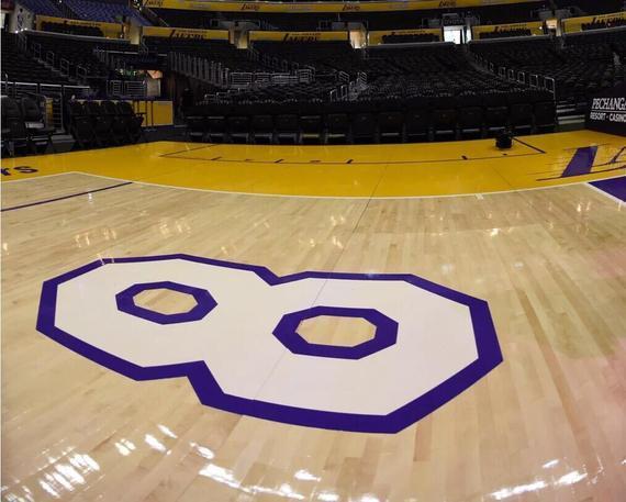 科比最后一战球馆地板将被拍卖 起拍价1万美元