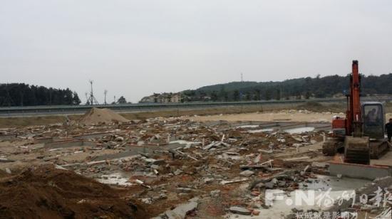 长乐强制拆除3处在建违建 占地面积2万平方米
