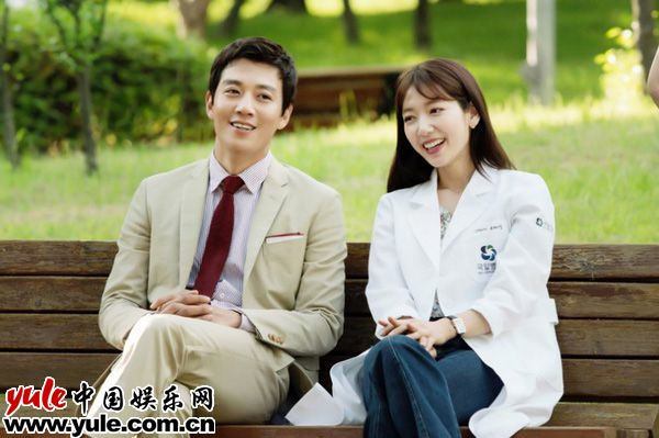 《Doctors》热播 下半年韩剧荧幕情侣抢先看