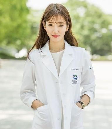 朴信惠新剧大变脸 你喜欢她哪个角色的造型?