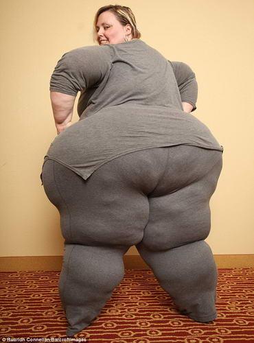 美国巨臀女子在网上进行情色直播 月入过万(图)