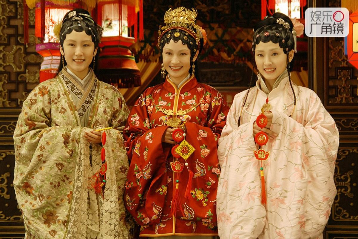 新版红楼梦女演员现状,有人嫁大款有人小三有人大红大紫