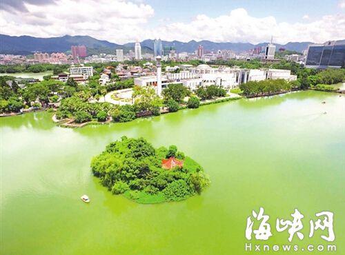 湖心岛位于谢坪屿与省博物院之间
