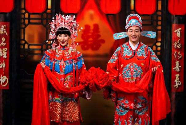 世界各地传统婚礼盘点 看看这15位新娘穿什么