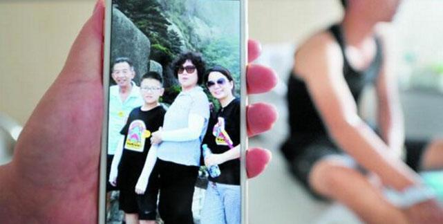 男子车祸中救多名孩童 却未能救回自己的七旬老母