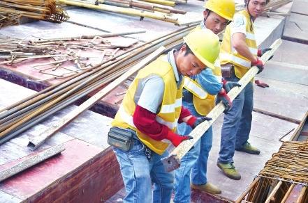 定期开展工人安全教育和检查,确保项目安全、质量管控双落实