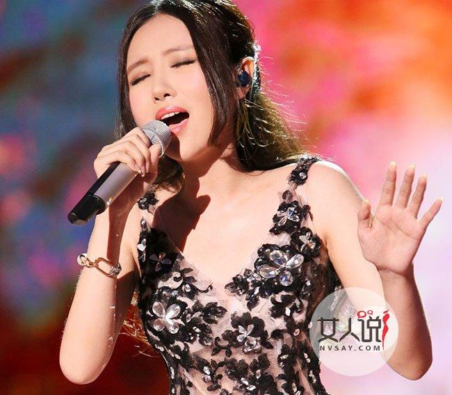 楼道王菲刘美麟录制 因为爱情 串红网络 歌坛小百灵决定终止演出