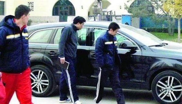 别再说张继科开保时捷 刘国梁的豪车已吓坏陈忠和