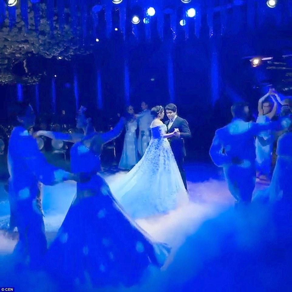 俄罗斯石油大亨办豪华婚礼嫁女儿:仅婚纱430万