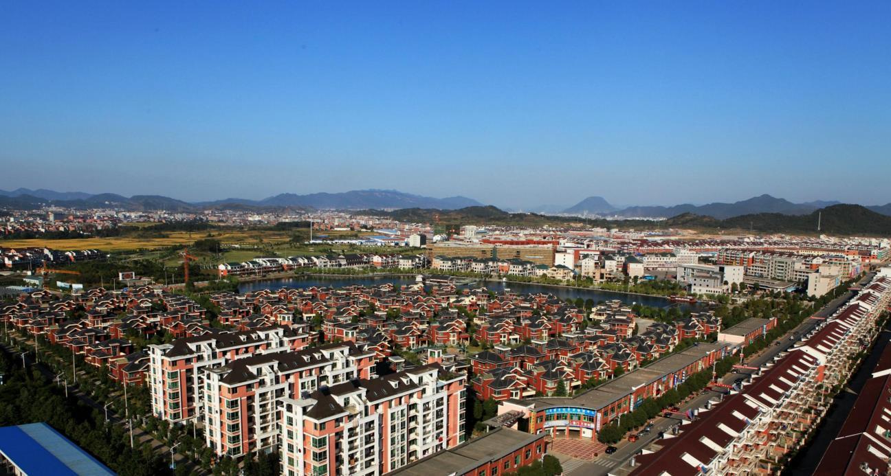 镇上的人城镇人口_未来城镇人转向农村