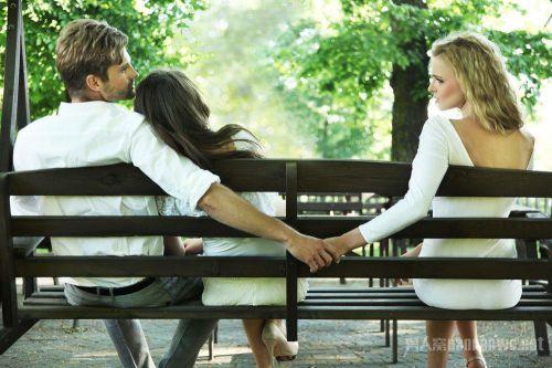 闺蜜出轨其丈夫:使出浑身解数和他发生性关系 为情欲背叛友情