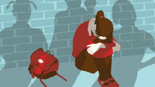 温州8人殴辱17岁少女 轮流扇耳光拍裸体跳舞视频传上网