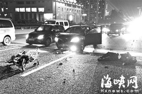 男子骑电动车闯尤溪洲大桥机动车道,被撞后倒在机动车道上