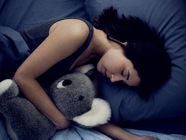 每天晚上都做梦,怎么才能睡个安稳觉?