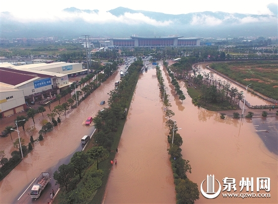民盟委员会:建设防涝设施 让动车站不再被水淹
