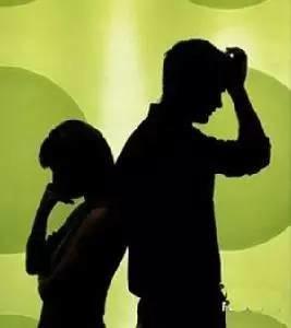 妻子睡觉时在丈夫身上做个小动作 竟闹到离婚