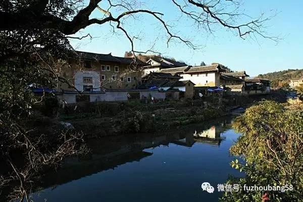 该镇民俗文化丰富,基础设施完善,自然资源及旅游资源也较丰富.