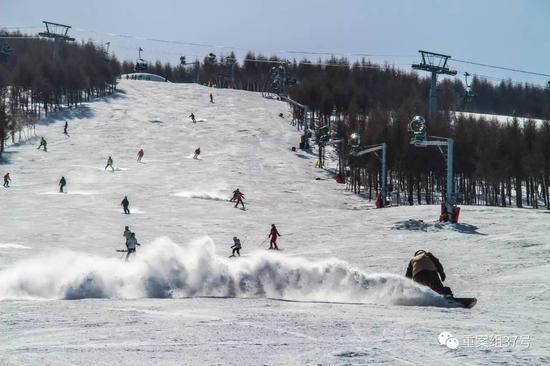 ▲万龙滑雪场。 图片来源:万龙滑雪场官网