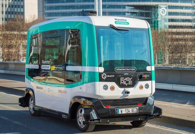 巴黎开始测试无人驾驶巴士 行驶距离只有短短1公里