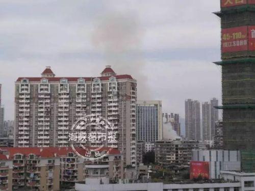 福州台江民房起火 共出去17辆消防车