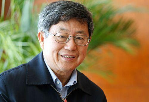 迟福林:实行自由贸易战略重点在服务贸易