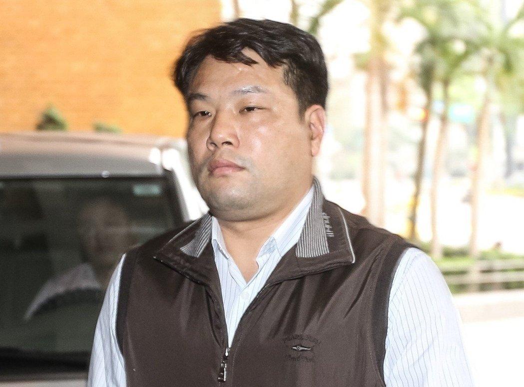 因应酬时向女性伸咸猪手 台湾情报组长遭调查