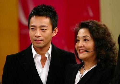 汪小菲发长文揭露俏江南乱象 要帮母亲张兰度过难关