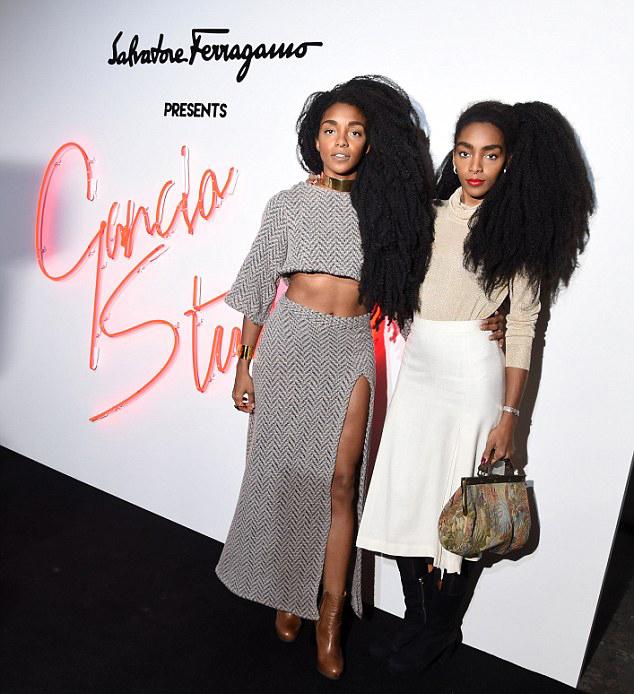 现年29岁的西普里亚纳和TK奇迹拥有典型的非洲式发质,乌黑浓密,十分蓬松。这种自然的发质是她们在时尚界重要的立足标志。她们曾参加过凯尼斯•柯尔、精华、雨果波士等时尚品牌的活动。但是这对姐妹称,此前,和许多年轻的黑人女生一样,她们对自己的发质缺乏自信。