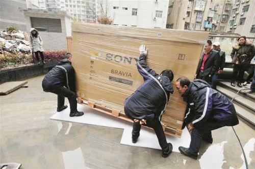 武汉市民买全国最大电视 将近50万元的电视王思聪也有一台