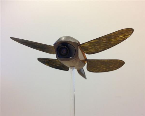 """英国研发""""蜻蜓无人机"""" 发射激光消除导弹"""