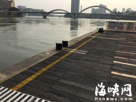 事发码头江面,已恢复往昔的平静。