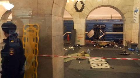 俄地铁爆炸已致11死45伤 俄罗斯地铁爆炸案是怎么回事?