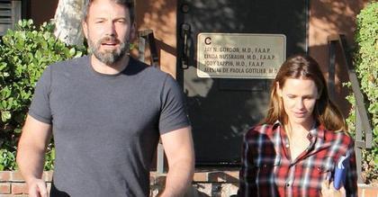 """""""蝙蝠侠""""本·阿弗莱克和妻子詹妮弗·加纳离婚 或平分1.3亿美元财产"""