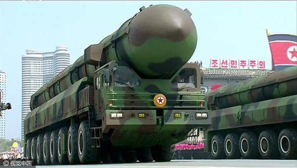 朝鲜半岛会战争?美副总统彭斯访三八线 美三艘核航母下周抵半岛