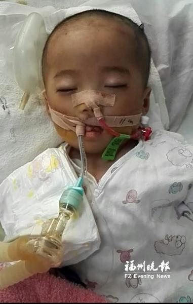 """闽清一早产女孩多病缠身 两次闯过""""鬼门关"""""""