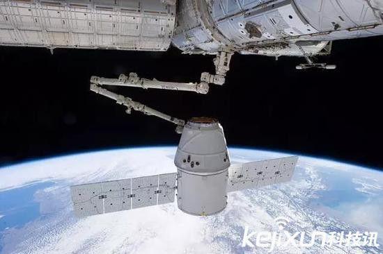 天舟一号发射成功 充当快递小哥提供补给支持