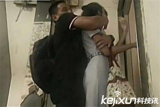 香港少年非礼继母 持刀恐吓抚摸继母身体被拘捕
