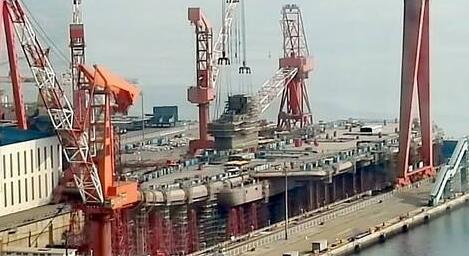 中国首艘国产航母最新消息!舰岛安装已完成 首艘国产航母下水在