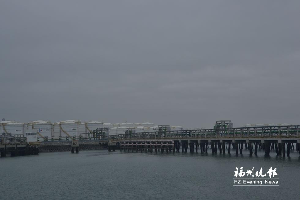 福州最大成品油码头将投用 可停10万吨级油轮