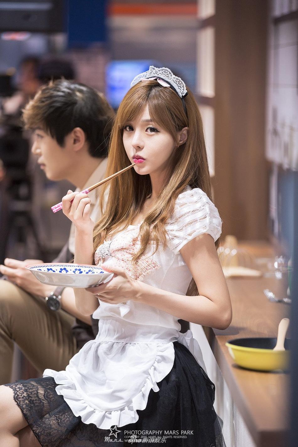 组图:韩国人气showgirl造型甜美呆萌可爱