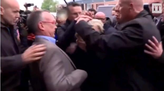 法国总统大选最新消息 总统候选人勒庞拉票为什么被人扔鸡蛋
